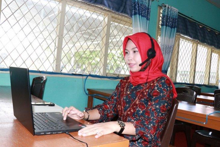 Guru dituntut mampu mendesain media pembelajaran secara daring