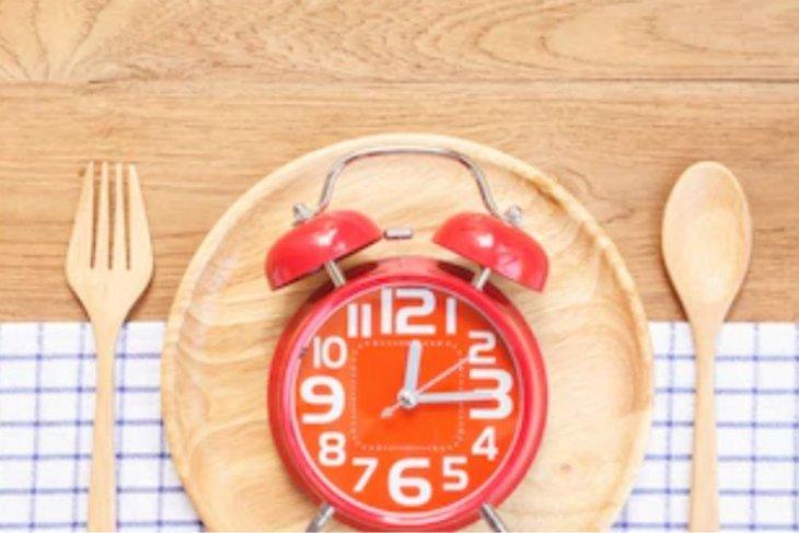 Batasi waktu makan dapat membantu turunkan berat badan?