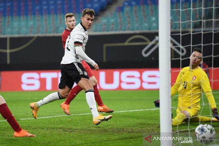 Jerman hanya menang tipis 1-0 atas Ceko dalam laga persahabatan