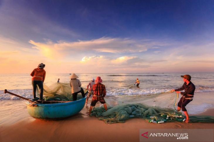 Harapan nelayan Pantai Barat kepada calon Bupati Madina
