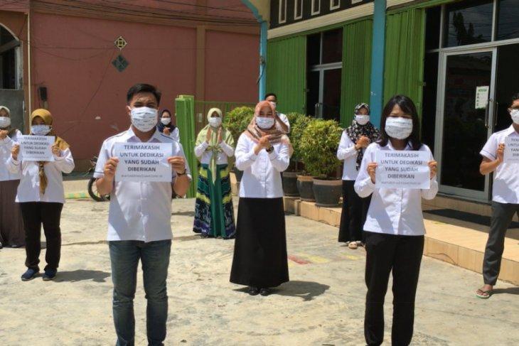 Tepuk Tangan 56 Detik di Hari Kesehatan Nasional 2020
