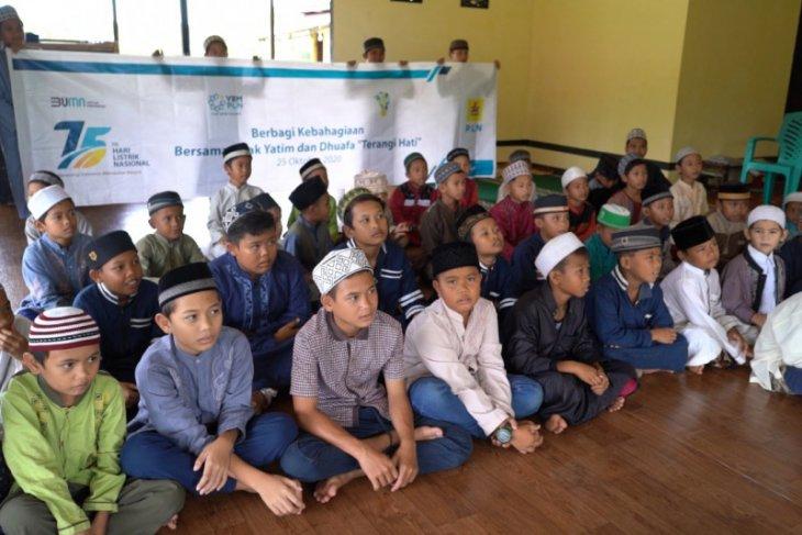 YBM PLN UP3B Kalbar santuni anak yatim dan dhuafa