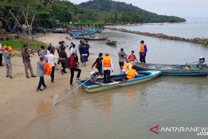 Ratusan nelayan Singkawang terima bantuan paket konversi BBM ke BBG