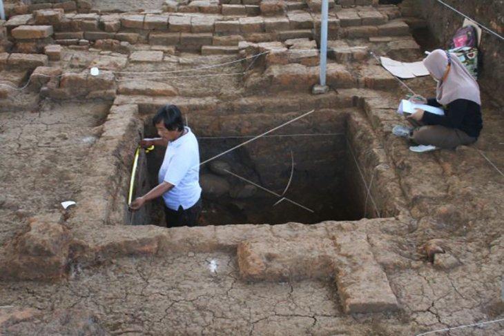 Penggalian situs kerajaan Mataram kuno