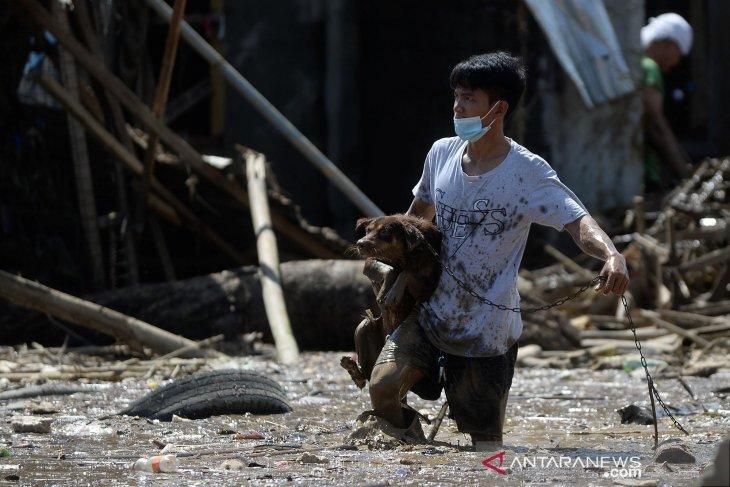 Vietnam siap hadapi Topan Vamco, di Filipina 53 tewas