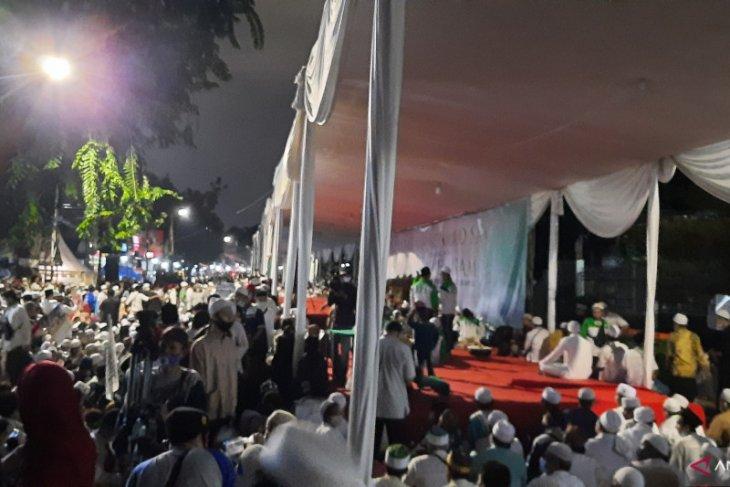 Walikota Jakpus-Kadis LH dicopot karena kerumunan massa FPI