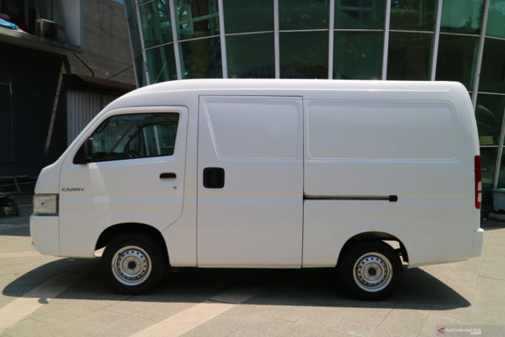 Suzuki New Carry hadir dengan bentuk Minibus dan