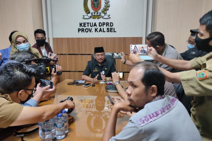 Ketua DPRD Kalsel klarifikasi rencana pembelian mobil waket
