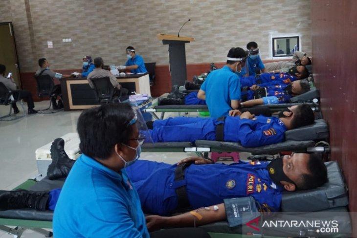 Sat Polair Polres Pandeglang gelar aksi donor darah