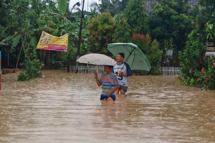 Floods, landslides hit seven sub-districts of Cilacap