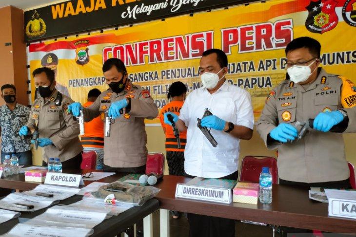 Polda Papua Barat telusuri transaksi senjata jaringan Filipina ke KKB