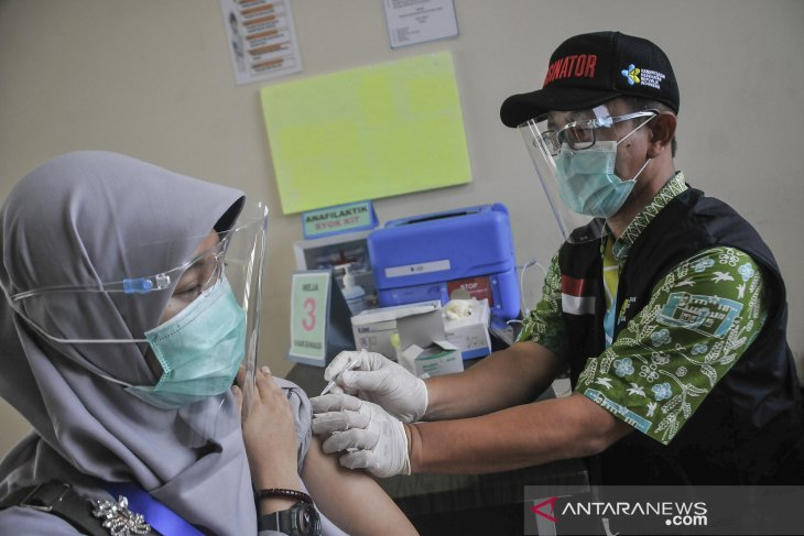 Indonesia gears for mass COVID-19 immunization