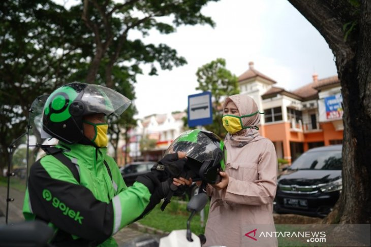 Gojek's services generate positive margins, Co-CEOs say