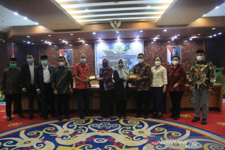 Gubernur Bersyukur Kaltim Lokus Dialog Publik Kelompok DPD RI