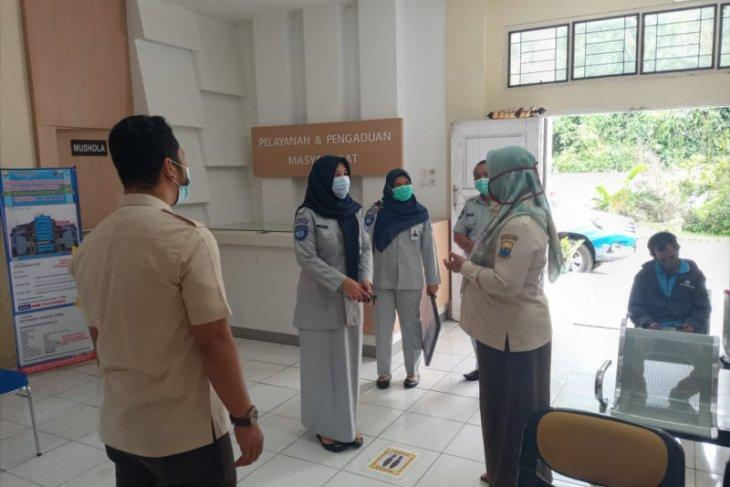 Giliran kantor Samsat Muarasabak dapat bantuan Bina Lingkungan dari Jasa Raharja