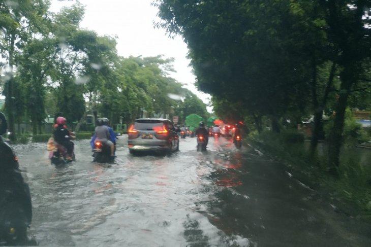 Edi Kamtono : Genangan air dipicu karena air pasang laut tinggi