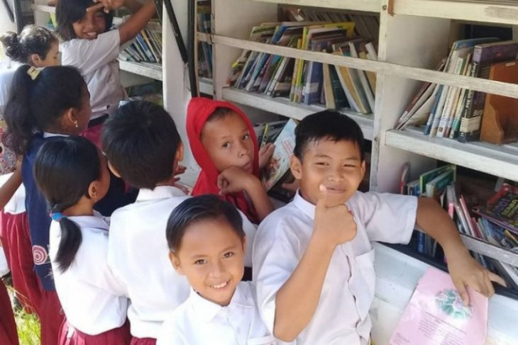 Hari Anak Sedunia 2020 : Menata kembali masa depan anak