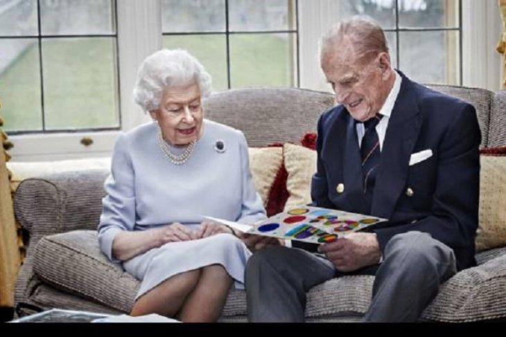 Ratu Elizabeth mendapat suntikan vaksin COVID-19