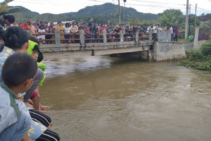 Ridho Gultom hilang terseret arus Sungai Sarudik