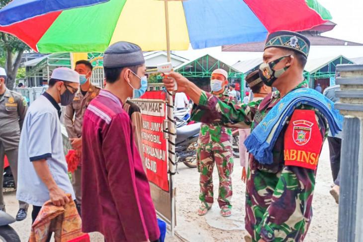 TNI tegakkan disiplin protokol kesehatan di tempat ibadah