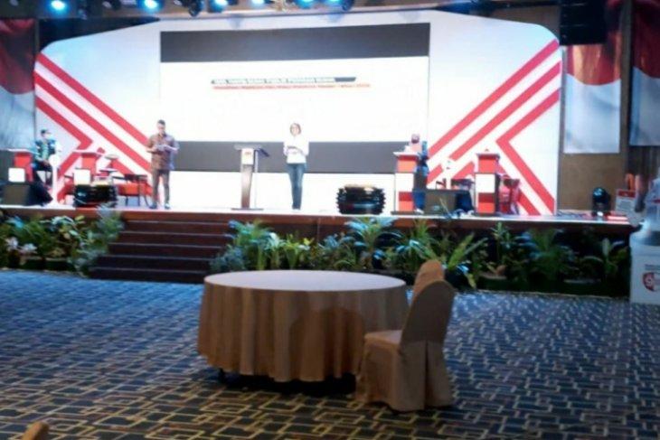 Debat kandidat putaran kedua Pilkada Medan  menyajikan materi pelayanan publik
