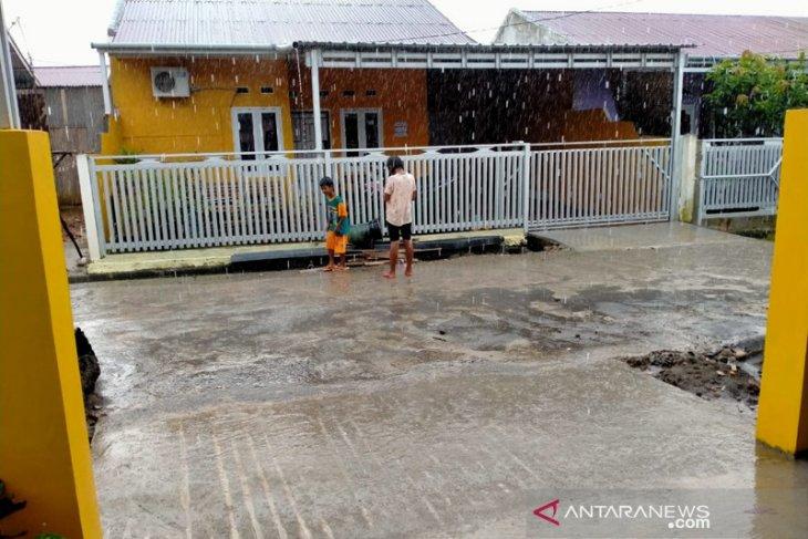 Pemprov Bengkulu minta warganya waspadai bencana hidrometeorologi