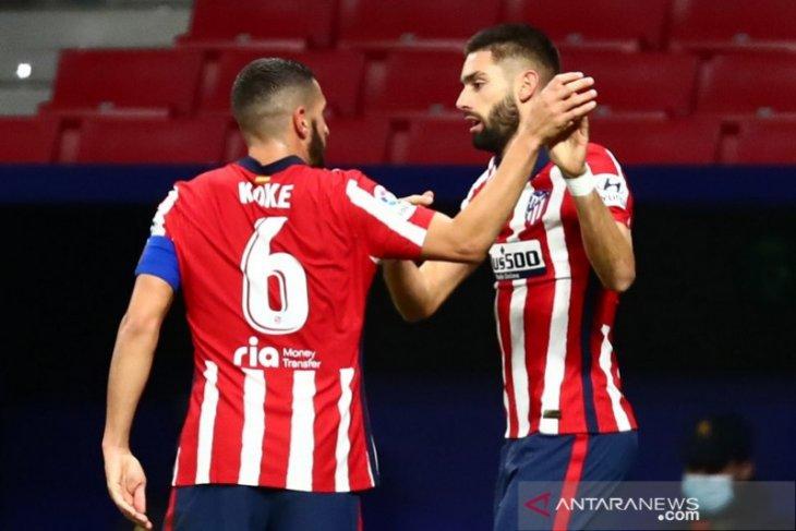 Liga Spanyol - Atletico bayangi Sociedad sang pemuncak klasemen