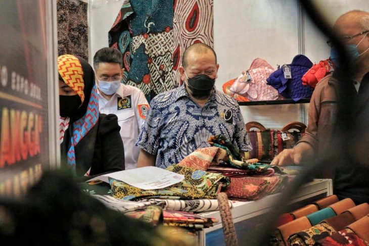 DPD RI apresiasi pameran buatan dalam negeri yang digelar Kadin Jatim