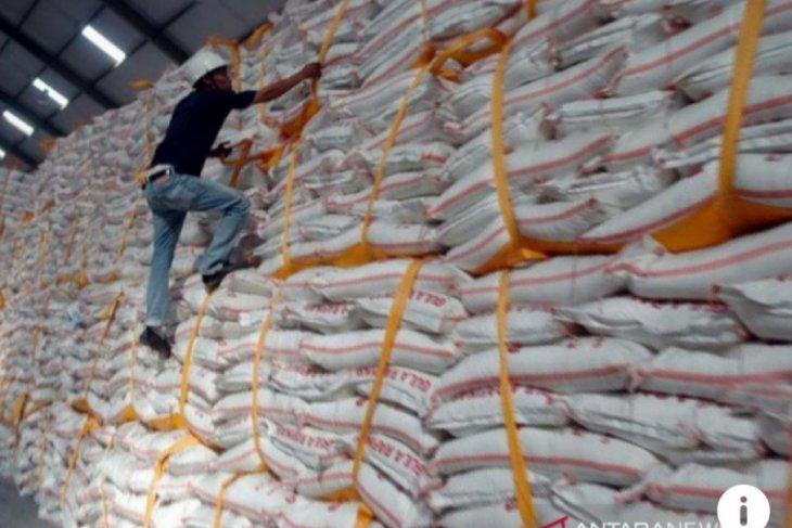 Bulog Sumut  tambah stok gula 500 ton