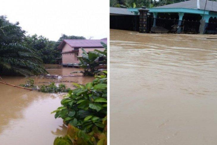 Lebih seribu rumah di Langkat terendam banjir
