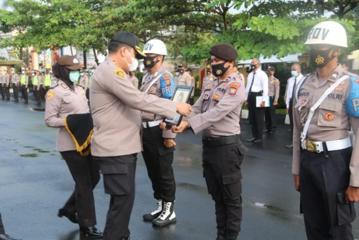 North Sumatra: Police officer sacked over drug offense
