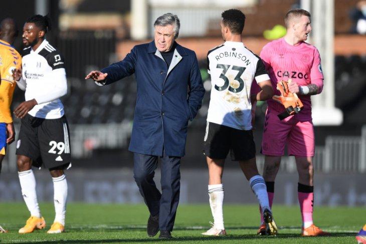 Ancelotti ingin Everton menambal pertahanannya yang bocor