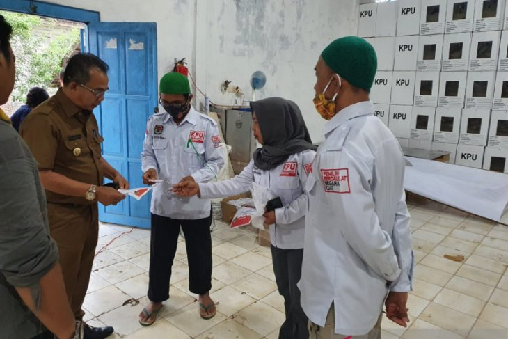 Pjs Bupati kunjungi logistik KPU Kotabaru