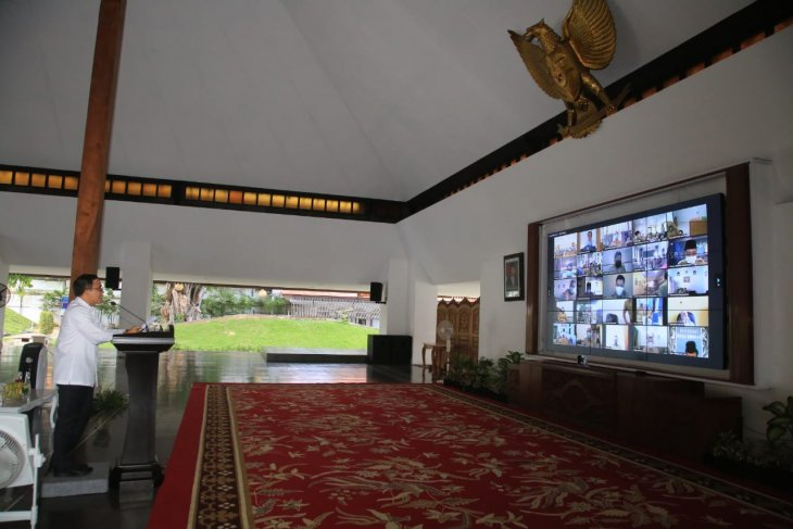 Bupati Banyuwangi sampaikan nota pengantar RAPBD 2021