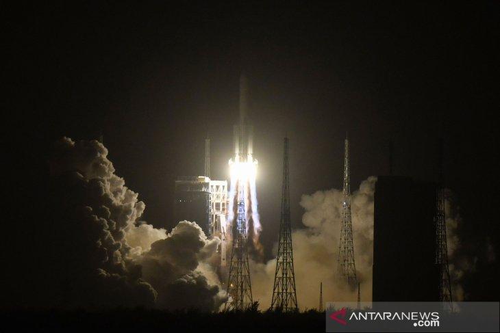 Puing-puing roket China akan masuk atmosfer dalam beberapa jam mendatang