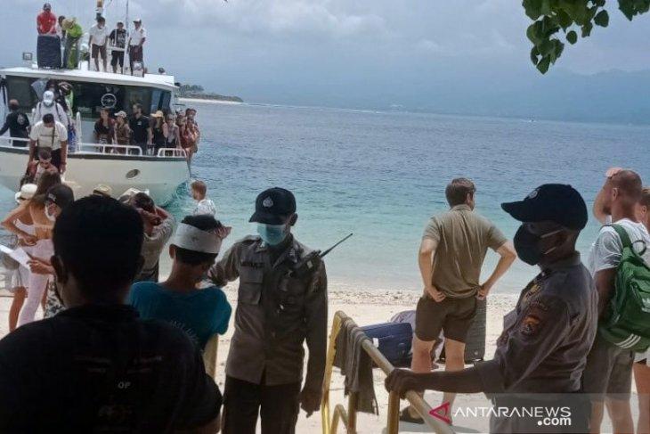 Disciplined health protocol application to facilitate tourism revival