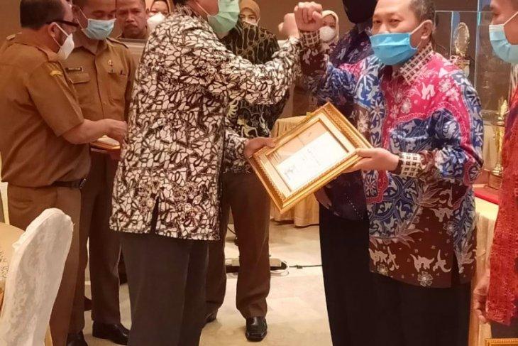 Ikut lomba registrasi penduduk se Sumut, Dukcapil Asahan juara dua