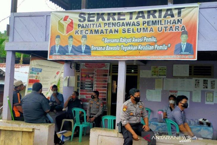 Ketua Panwas Kecamatan Seluma Utara ditusuk di sekretariat