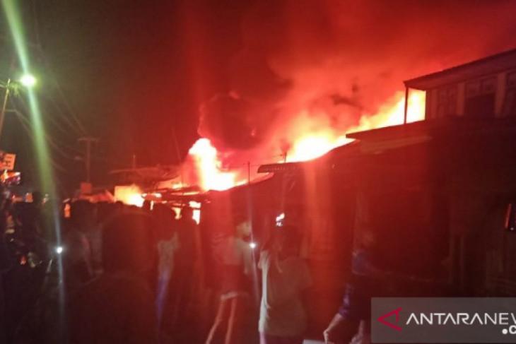 Belasan rumah di Nias Sumut terbakar