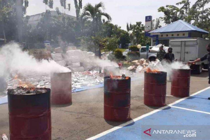 Kantor Bea Cukai Bekasi musnahkan barang sitaan senilai Rp247 juta