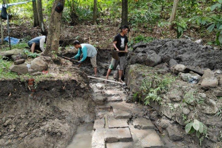 BPCB Trowulan ekskavasi petirtaan kuno di Gunung Klotok Kediri