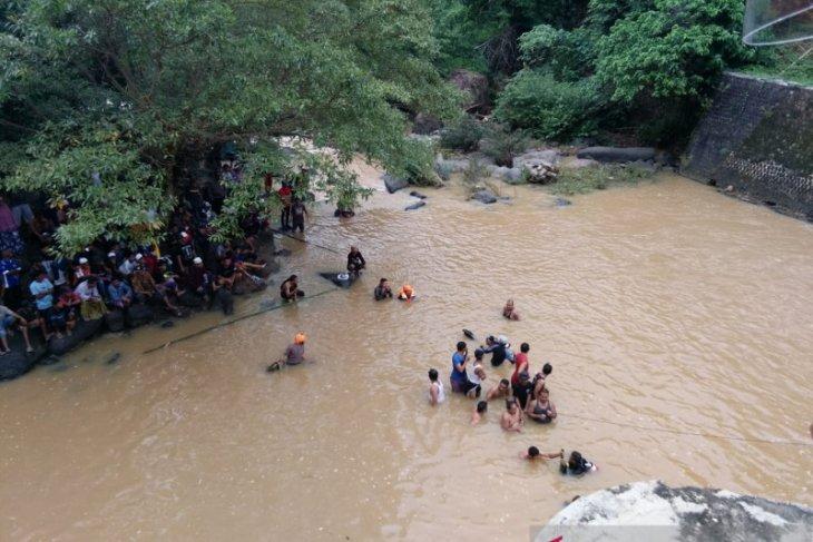 Dua remaja Sukabumi tenggelam di Bendungan Cikanteh, satu ditemukan tewas