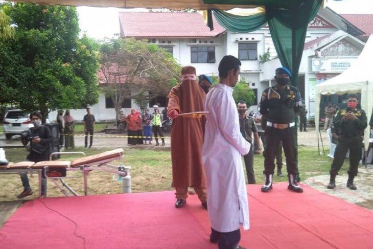 Terbukti cabuli anak, pemuda di Aceh Timur dihukum 150 kali cambuk