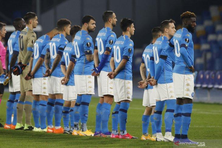 Liga Europa: Kenang Maradona, para pemain Napoli kenakan Jersey nomor 10