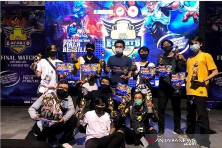 KLS Bali borong piala turnamen Mobile Legend