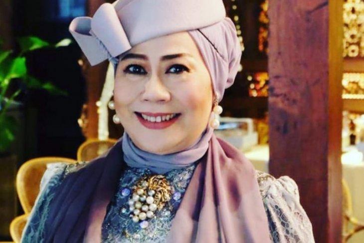 Dewi Yull ingin film Indonesia dilengkapi