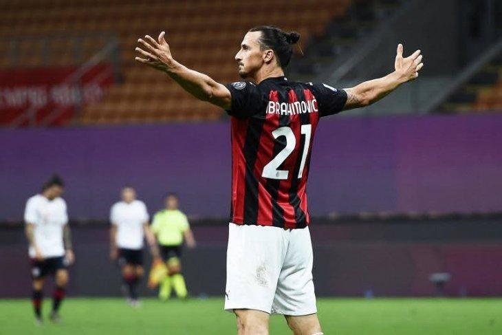Bintang AC Milan Ibrahimovic sukses jalani operasi bersihkan lutut kiri