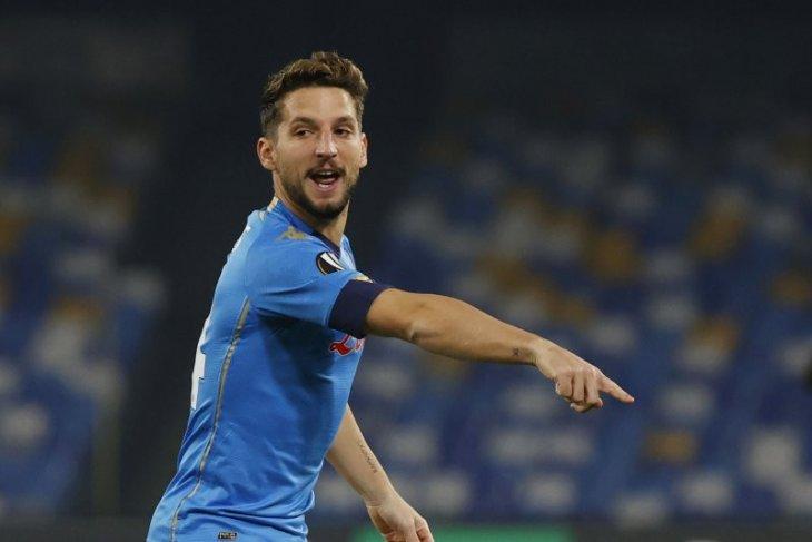 Liga Eropa, Napoli diimbang AZ 1-1 membuat perebutan tiket 32 besar makin ketat