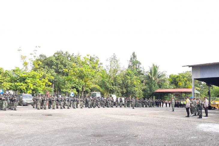 TNI commander visits Timika before heading for Makassar