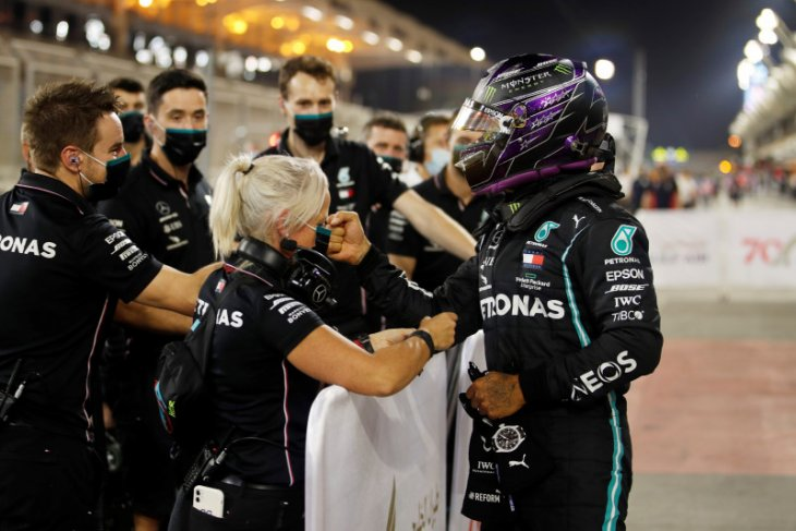 Formula 1: Hamilton raih pole position ke-98 di Bahrain